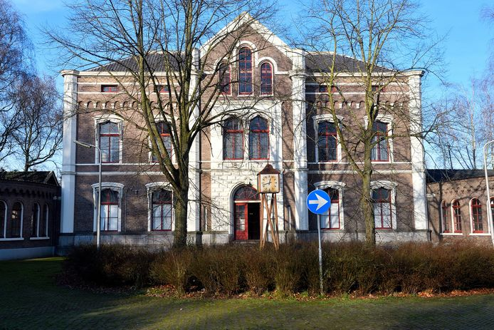 Het voormalig militair hospitaal aan de Hogeweg in Amersfoort.