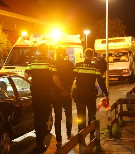 Politie zoekt drietal dat kort na woningbrand in Zwolle richting Park de Wezenlanden rende