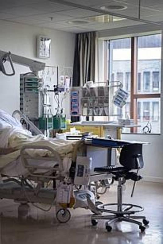 Door vergrijzing en het langer thuiswonen komt het steeds vaker voor dat kwetsbare ouderen op de Spoedeisende Hulp van Bravis ziekenhuis binnengebracht worden, terwijl het ziekenhuis lang niet altijd de beste plek voor deze patienten is.
