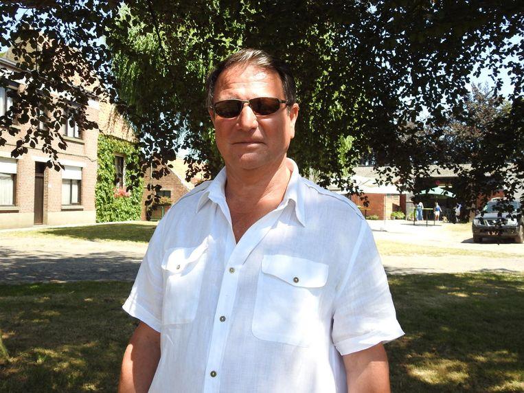 Organisator Johan Ysebaert verstopt zijn blauw oog achter een zonnebril.