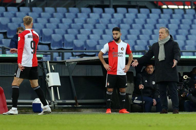 Feyenoord-spits Nicolai Jorgensen uitte zondag zijn ongenoegen richting coach Dick Advocaat over zijn  wissel in de wedstrijd tegen FC Utrecht.  Beeld ANP