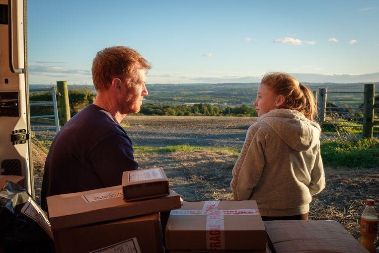 Kris Hitchen en Katie Proctor in 'Sorry We Missed You'. Beeld