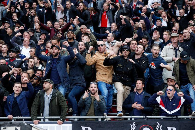 Ajax-fans Beeld Soccrates
