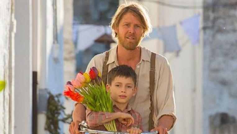 Gijs Naber in een scène uit de film Tulipani. Beeld Facebook