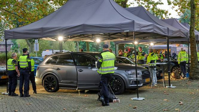 Grote verkeerscontrole in Breda: 100 gram hennep gevonden in auto