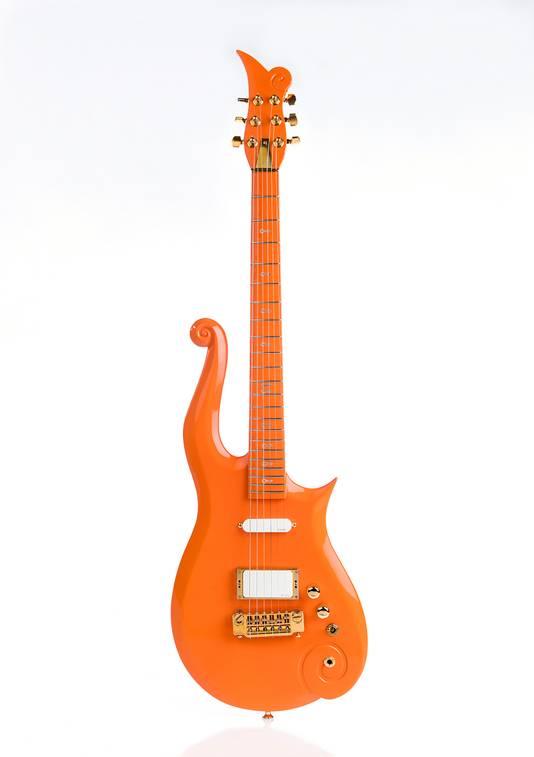 De gitaar die Prince in 2007 bespeelde tijdens de Super Bowl en de The Earth tour.