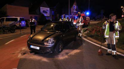 Jonge bestuurster in shock na ongeval op rotonde