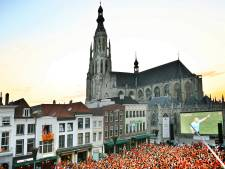 Burgemeester Van Midden over verbod grote schermen: 'Stop met hier krampachtig aan vast te houden'
