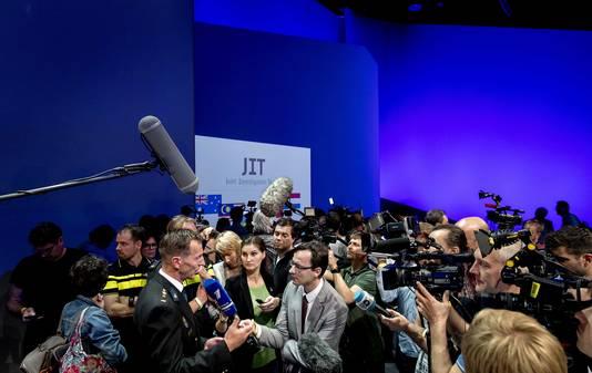 Wilbert Paulissen van het Joint Investigation Team (JIT) geeft een toelichting op de nieuwste bevindingen in het strafrechtelijk onderzoek rond het neerhalen van vlucht MH17.