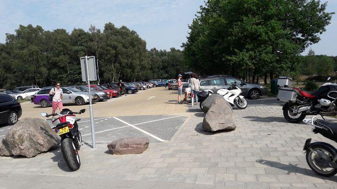 Parkeren bij Paviljoen Posbank.