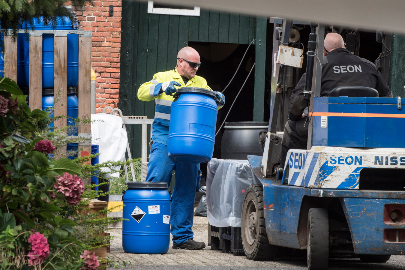 Noordijk 20170813 Drugslaboratorium ontmanteld aan in een boerderij aan de G.L. Rutgersstraat editie:VRIJE FOTO Foto Reinier van Willigen