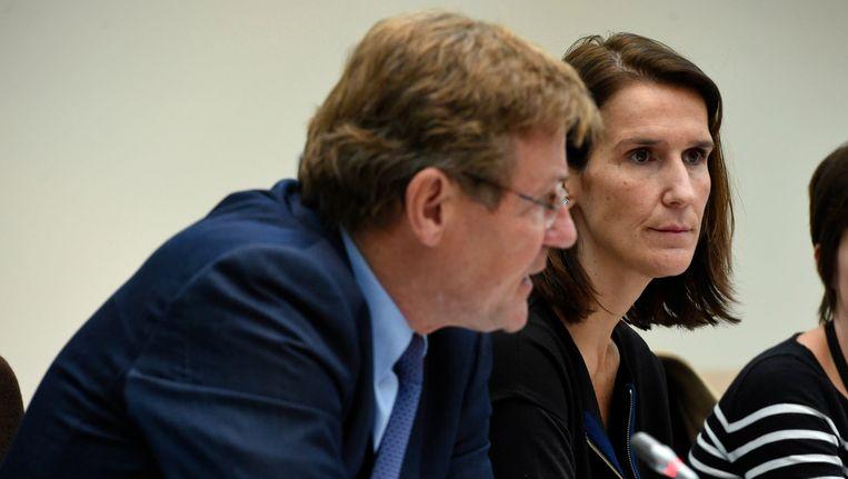 Johan Van Overtveldt (N-VA), minister van Financiën, en Begrotingsminister Sophie Wilmès.. Beeld Photo News