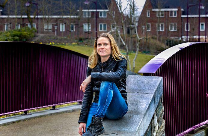 Agnes de Veth in het Weverspark in de Helmondse binnenstad.