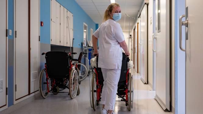 """Odisee-studenten verpleegkunde sluiten geslaagde stage op Spoedgevallen AZ Sint-Blasius af: """"Blij met unieke kansen om te leren"""""""