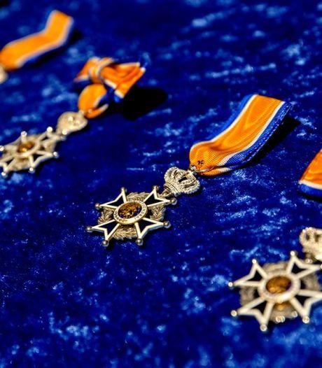 Lintjesregen bereikt ook Staphorst: twee inwoners ontvangen onderscheiding