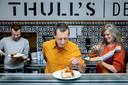 De jury: Timo de Beurs (35), chef en mede-eigenaar Slagerij de Beurs in Amsterdam, Peter van Berckel (57), natuurvoedingskundige, fermentatie-expert en kookboekenschrijver en Simone van Thull (51), fermenteerkoningin met een eigen productlijn, traiteur Thull's Deli.