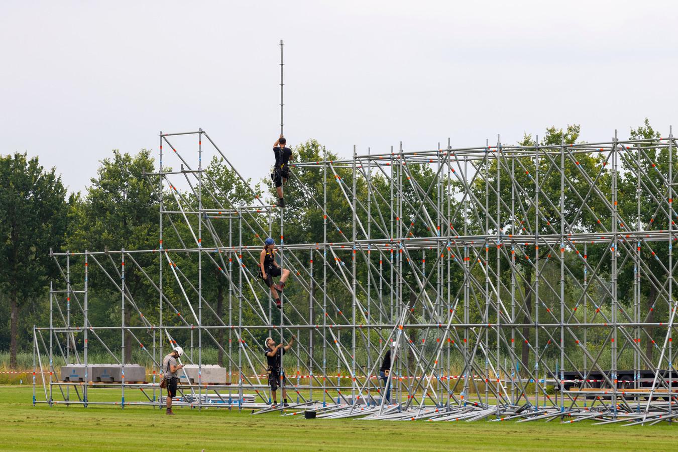Het bouwen aan Paaspop in Schijndel gaat door.