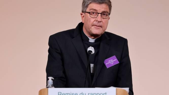 """Abus sexuels dans l'Église: la """"lenteur consternante"""" des évêques de France"""