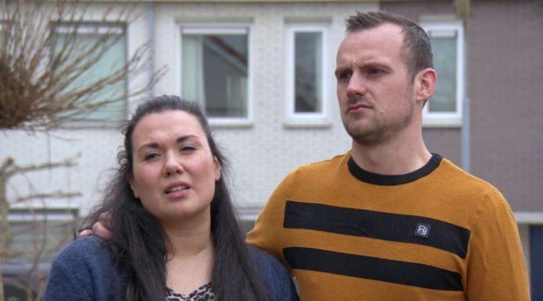 """Kijkers van 'Kopen zonder kijken' lachen zich rot om man die per se een bad wil: """"Wat doet hij toch moeilijk"""" Beeld RTL still"""