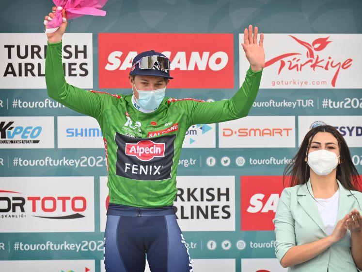 """Philipsen na tweede zege in Turkije: """"Nog veel te bewijzen in de sprint, maar ben op goede weg"""""""