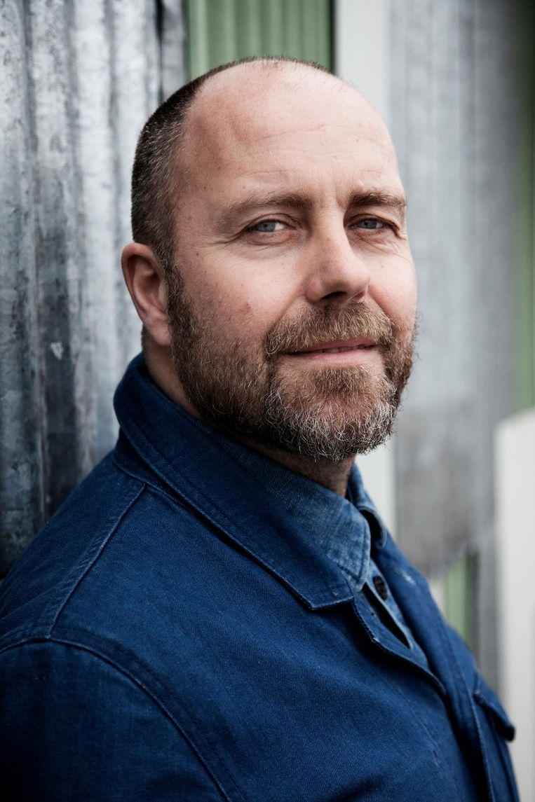 Tony Tonnaer (48) is sinds 2010 directeur van denimlabel Kings of Indigo. Daarvoor was hij zeven jaar directeur van denimmerk Kuyichi. Hij studeerde aan het Amfi (toen nog HTS voor de Confectie-industrie). Tony Tonnaer woont in Amsterdam Beeld Ernst Coppejans