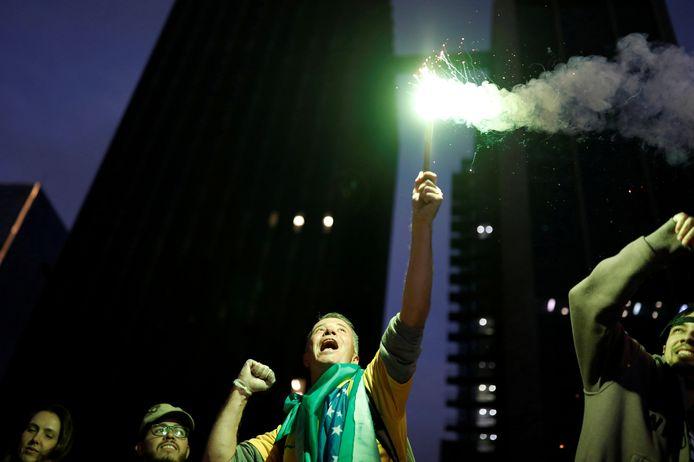 Vreugde gisterenavond en vannacht bij de Bolsonaro-aanhangers.
