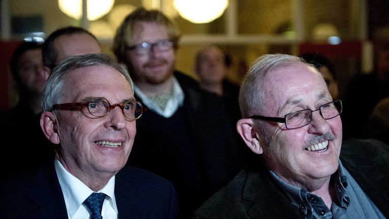 Lachende gezichten bij Jos van Rey (links) en fractievoorzitter Dre Peters van de Volkspartij Limburg tijdens de verkiezingsavond. Beeld ANP
