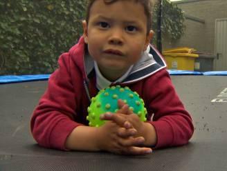 Kleine Rafaël (3) heeft zeldzame aandoening. Ouders zoeken 80.000 euro voor dure operatie