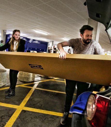 Topdrukte bij meubelboulevard door opknapkoorts: 'Je komt voor iets kleins, maar vertrekt met een auto vol'