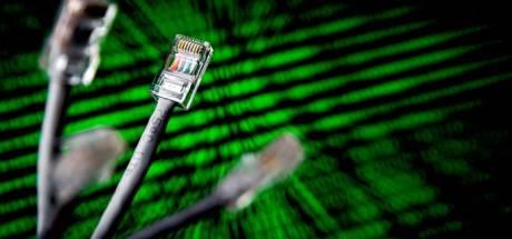 Veenendaler (24) aangehouden voor afpersen bedrijven en platleggen websites