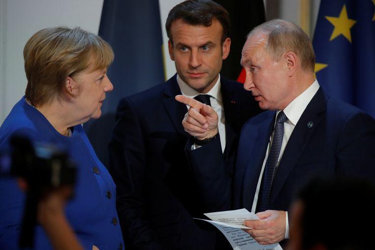 Al voor aanvang van de top was er een kloof zichtbaar tussen de lidstaten die een dialoog met Rusland zoeken en de lidstaten die juist een harde lijn voorstaan. Beeld REUTERS
