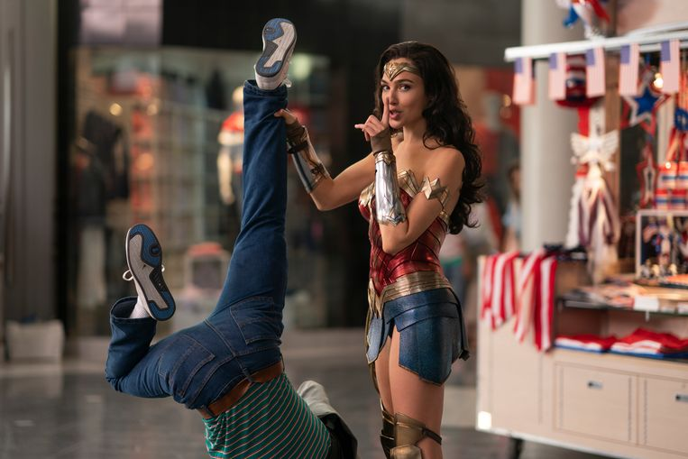 Scene uit Wonder Woman 1984. Beeld
