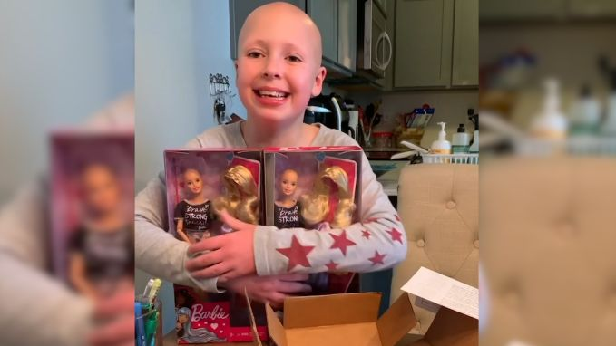 Meisje met extreme haaruitval krijgt speciale Barbies cadeau
