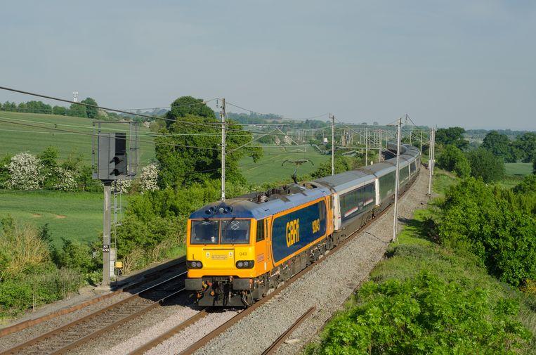RYA0JE Caledionian Sleeper Train Northamptonshire England UK Beeld Alamy Stock Photo