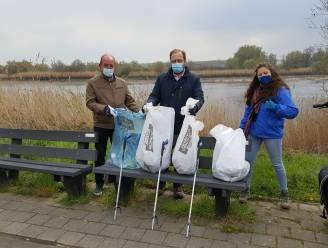 Burgemeester en milieuschepen ruimen zwerfvuil op voor River Cleanup