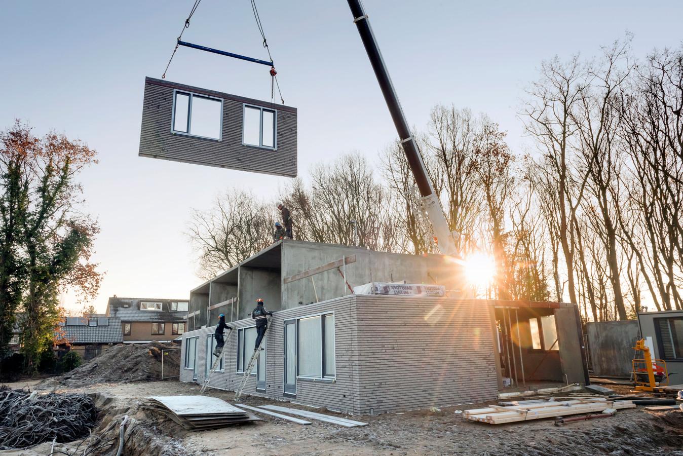 Prefabwoningen in aanbouw in Ermelo, december vorig jaar.