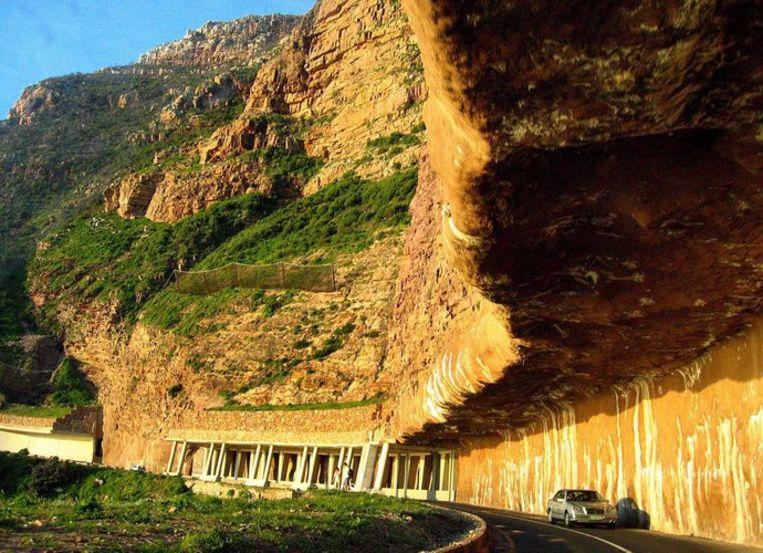 De 8000 kilometer lange reis gaat via onder meer Marokko, Mauritanië en Senegal. Foto EPA/Nic Bothma Beeld