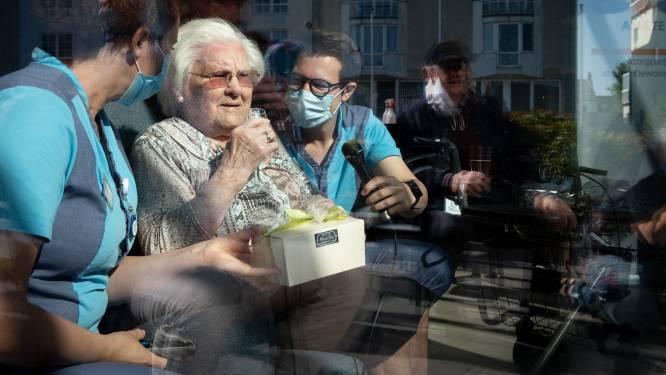"""Oudste Belg Julia Van Hool overleden vlak voor 112de verjaardag: """"Moeke voelde dat haar kaarsje aan het uitdoven was"""""""