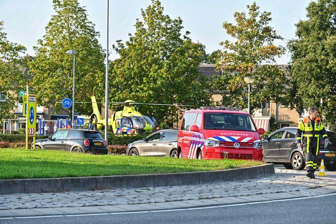 Een traumahelikopter landde bij de Valpoort in Etten-Leur om bijstand te verlenen. Het slachtoffer, een 58-jarige weduwe en moeder van twee kinderen uit Rijsbergen, was echter niet meer te redden.