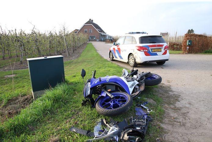 De motorrijder raakte gewond door het ongeluk in Meteren.