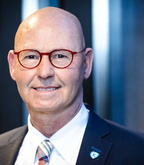 Bort Koelewijn maakt plaats als burgemeester van Kampen: 'Ik ga vooral contact met inwoners missen'