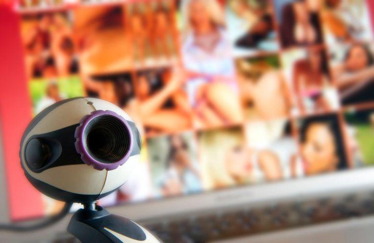 De verdachte probeerde altijd foto's en filmpjes van zijn slachtoffers los te peuteren.
