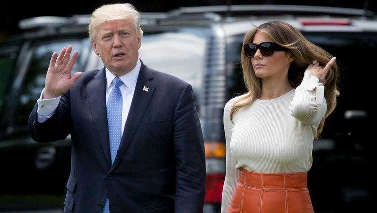 Donald Trump en zijn first lady zijn vandaag vertrokken voor hun eerste overzeese trip. Ze gaan onder meer naar Saoedi-Arabië, Israël, het Vaticaan, Brussel en Italië.