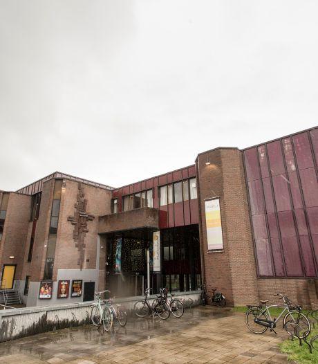 Zonder duidelijkheid waar miljoenen vandaan moeten komen komt er geen renovatie van Theater Hanzehof