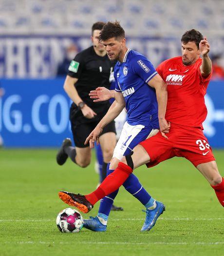Schalke 04 wil pensioen van Huntelaar nog een jaar uitstellen