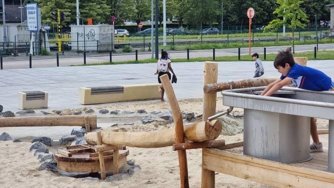 Kinderen kunnen al ravotten in (een deel van) de waterspeeltuin in Halle