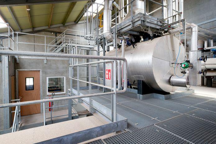 De Biomassacentrale van kippenboer Pieter Smits in Rijen.