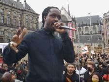 Strafbare Akwasi neemt z'n woorden over Zwarte Piet terug en ontkomt aan vervolging