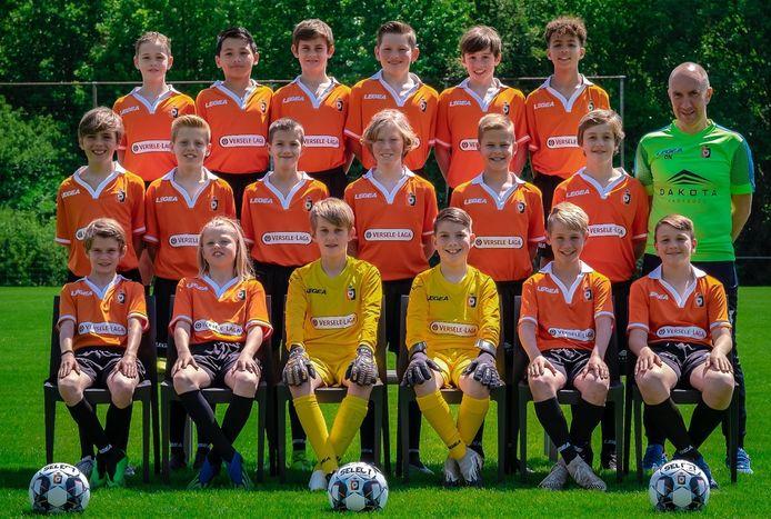 De U13 van SK Deinze oefenen zaterdag bij hun leeftijdsgenoten van eersteklasser KV Oostende.
