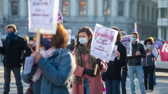 """Actievoerders tegen geweld op vrouwen bezetten Groenplaats: """"Ongepast gedrag op straat blijft alomtegenwoordig"""""""